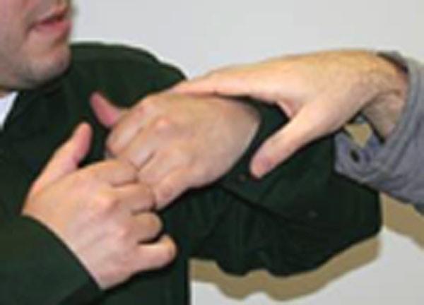 Taip atrodo kurčneregio rankos sekančios kalbančiojo rankas